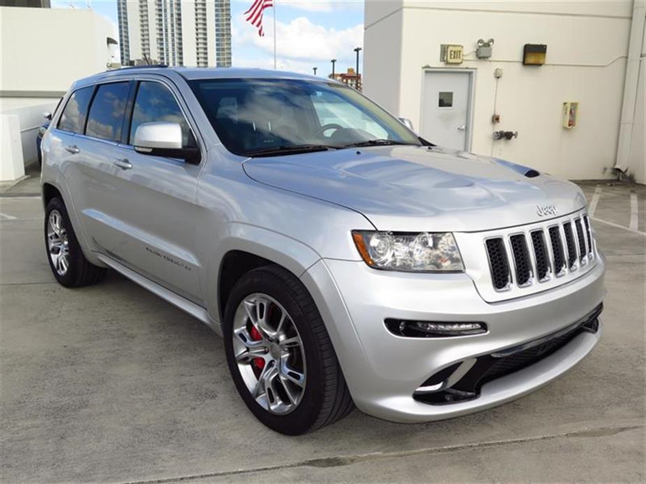 2012 JEEP GRAND CHEROKEE 4WD 4dr SRT8 17309 miles 115V pwr outlet 12-volt pwr outlet 12-volt rea