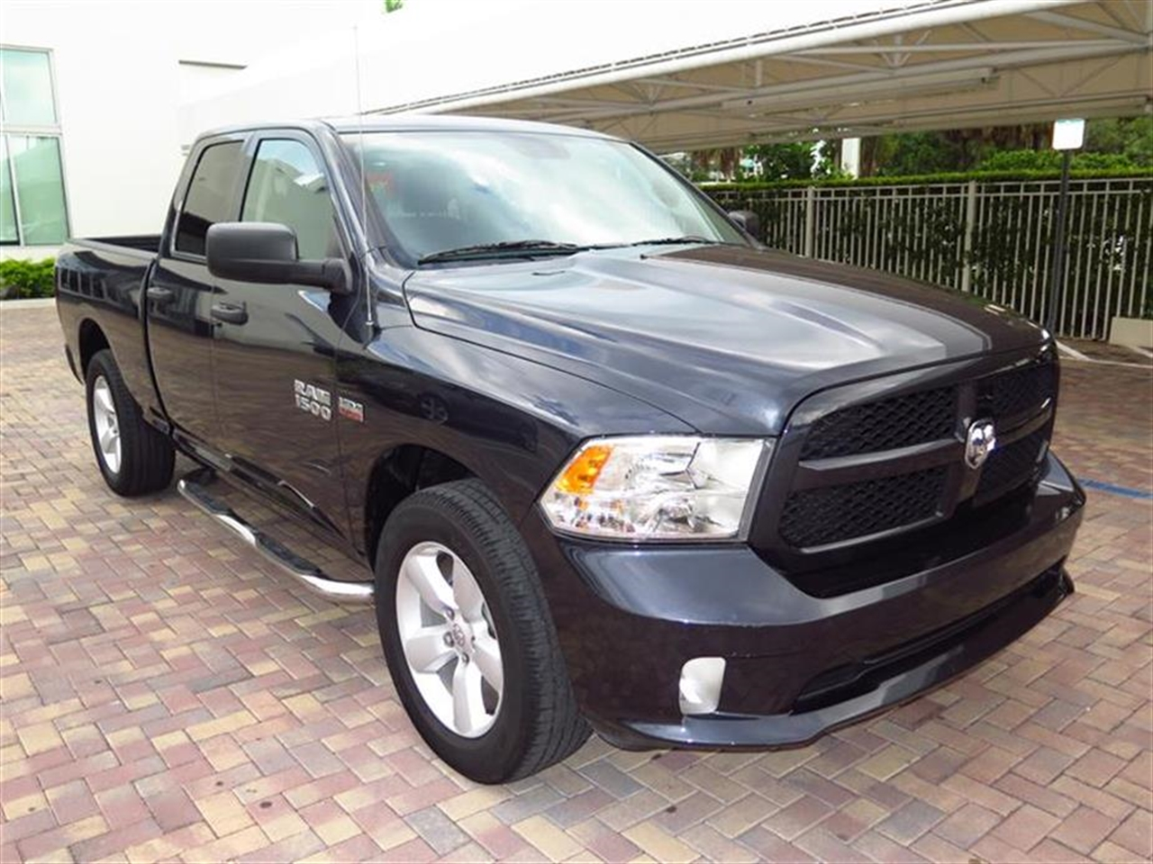 2014 RAM RAM 4WD Quad Cab Tradesman 25317 miles 2 12V DC Power Outlets 402040 Split Bench Seat