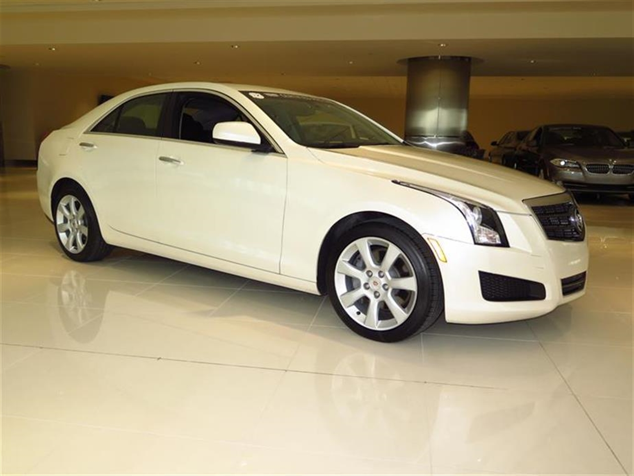 2014 CADILLAC ATS 4dr Sdn 20L Standard RWD 10298 miles Air filtration system Armrest front cent