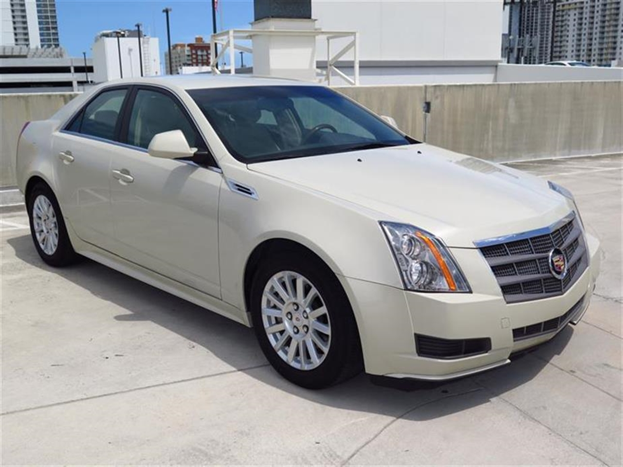 2010 CADILLAC CTS 4dr Sdn 30L Luxury RWD 22320 miles Armrest front center rear center with dual