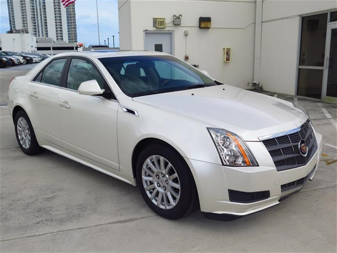 2011 CADILLAC CTS SEDAN 4dr Sdn 30L Luxury RWD 30179 miles Armrest front center rear center wit