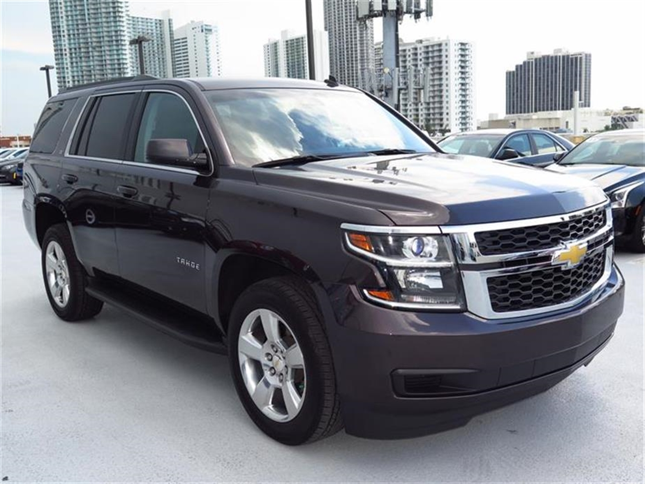 2015 CHEVROLET TAHOE 2WD 4dr LT 8057 miles Assist handles all seats Cargo management system Ca
