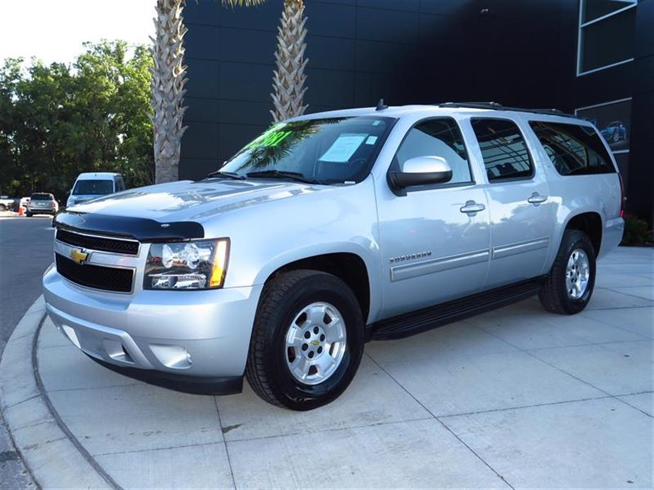 2012 CHEVROLET SUBURBAN 2WD 4dr 1500 LT 54711 miles Air conditioning rear auxiliary tri-zone aut