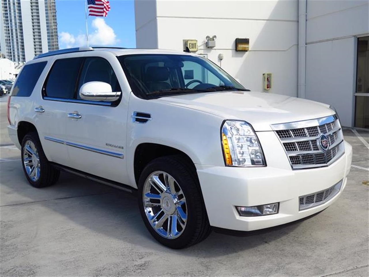 2012 CADILLAC ESCALADE 2WD 4dr Platinum Edition 30145 miles Climate control rear air conditioning