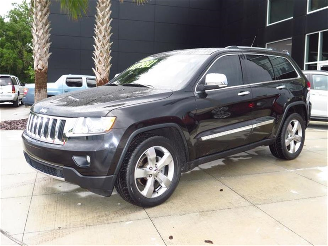 2011 JEEP GRAND CHEROKEE RWD 4dr Limited 38957 miles 115V pwr outlet 12-volt pwr outlet 12-volt