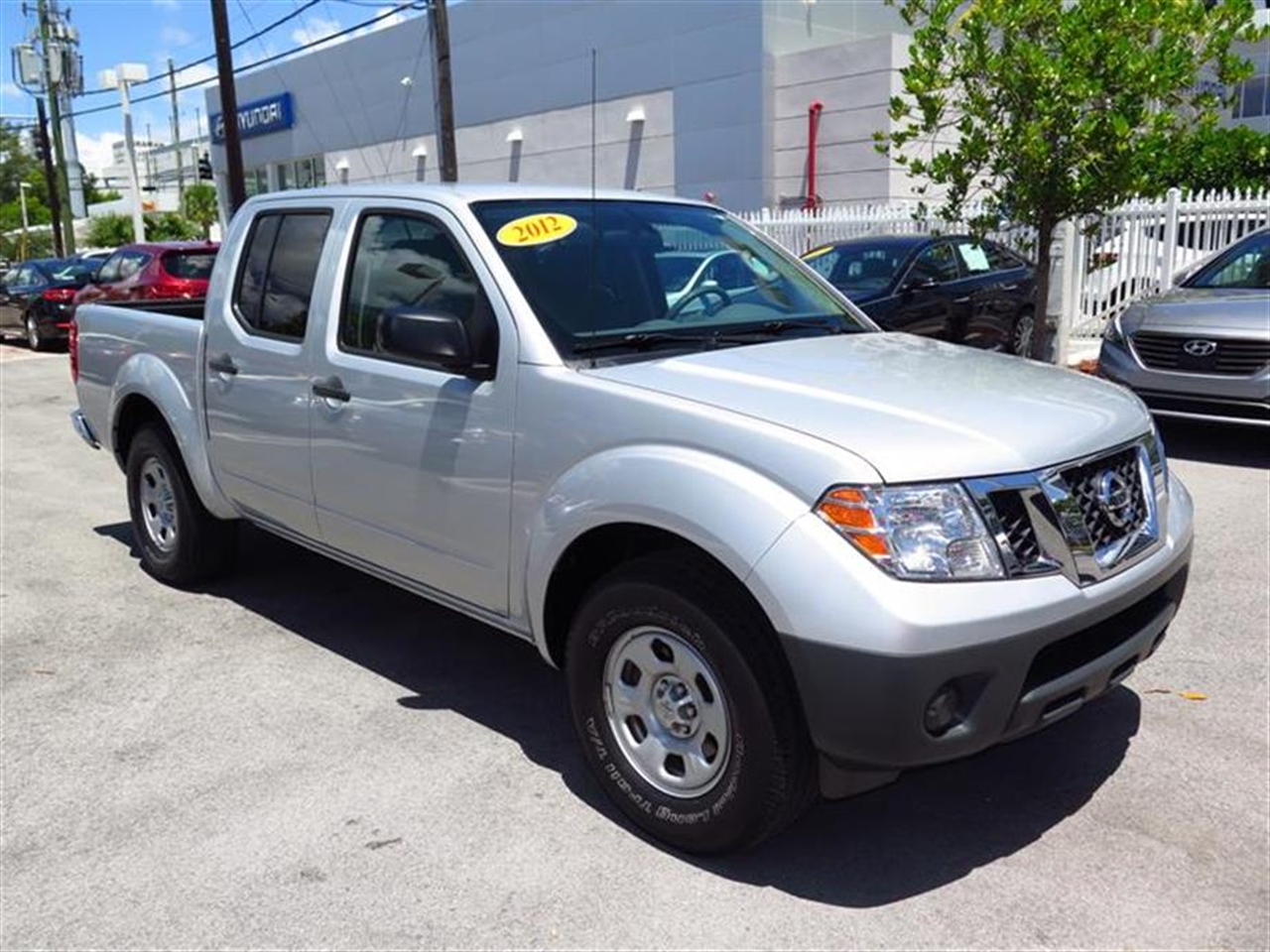 2012 NISSAN FRONTIER 2WD Crew Cab SWB Auto S 36892 miles 2 auxiliary pwr outlets 6040 split r