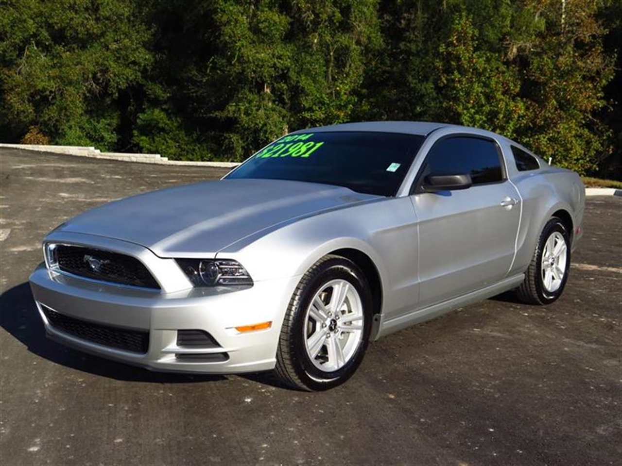2014 FORD MUSTANG 2dr Cpe V6 20 miles 2 12V DC Power Outlets 2 Seatback Storage Pockets 4-Way Pa
