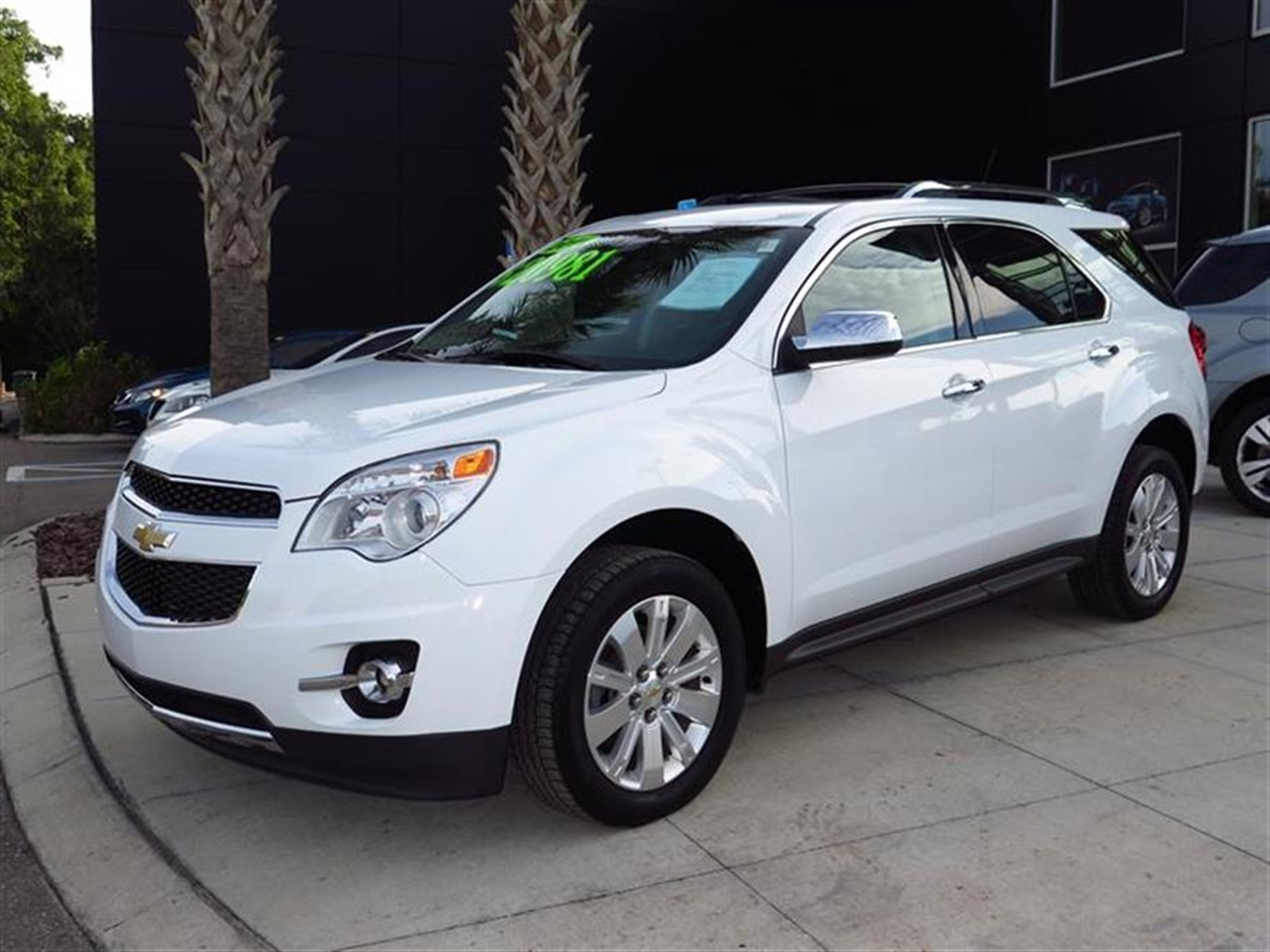 2011 CHEVROLET EQUINOX FWD 4dr LTZ 28654 miles Air conditioning automatic climate control Armres