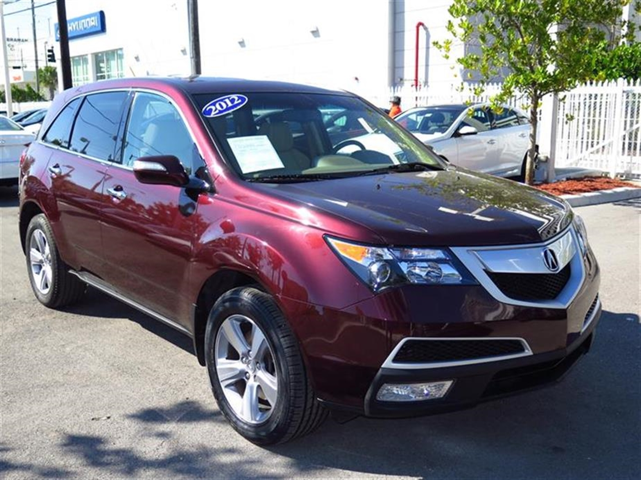 2012 ACUR MDX AWD 4dr Tech Pkg 32426 miles 10 cup holders 2 12 volt pwr outlets 2nd row rec