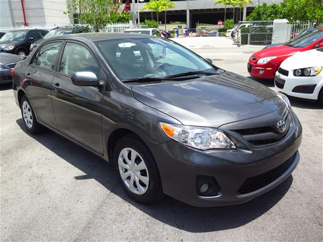 2011 TOYOTA COROLLA 4dr Sdn Auto LE 20266 miles 4 cup holders 12V aux pwr outlet 3-spoke tilt