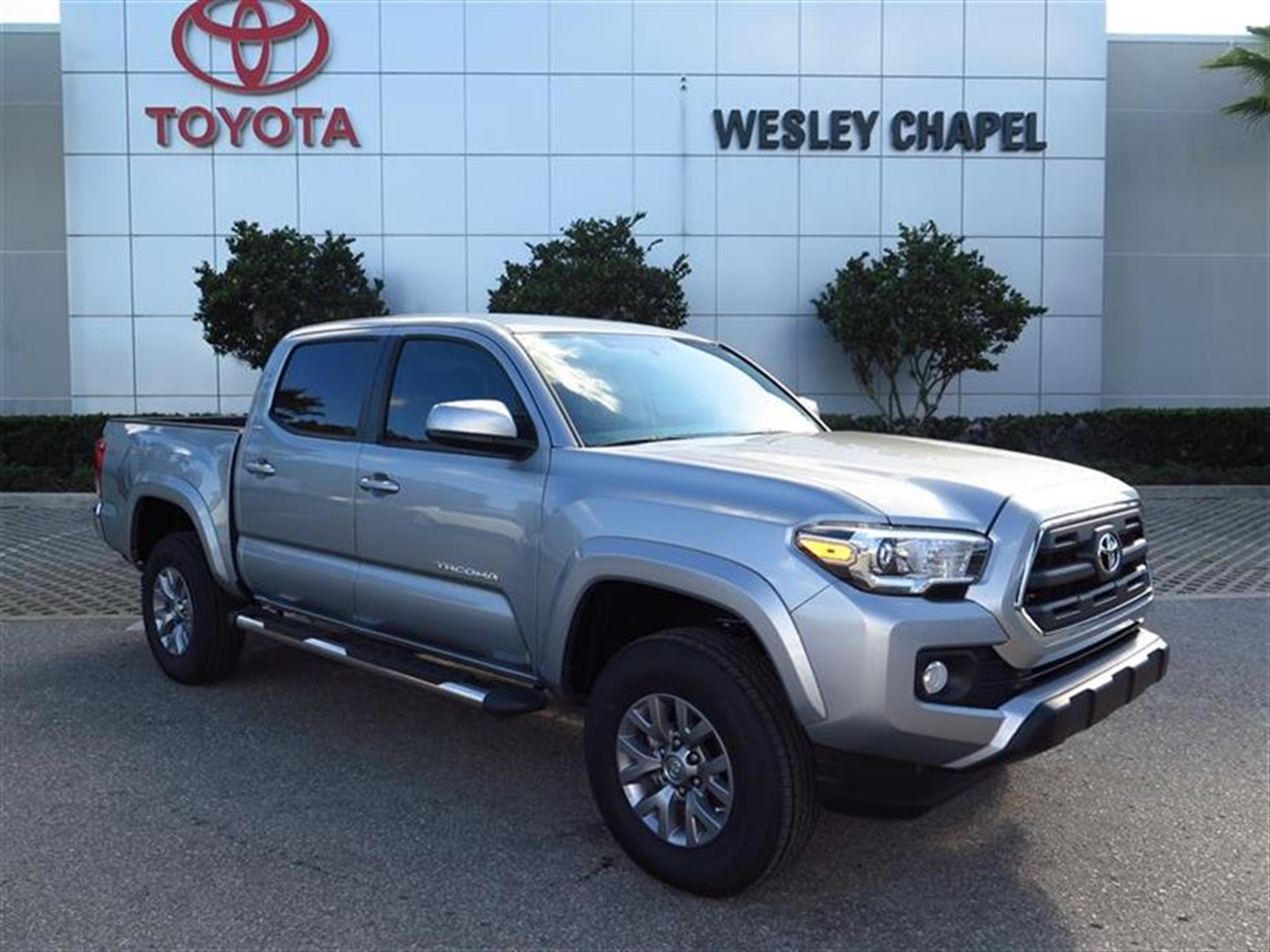 2016 TOYOTA TACOMA 2WD Double Cab V6 AT SR5 0 miles 2 12V DC Power Outlets 4-Way Driver Seat -i