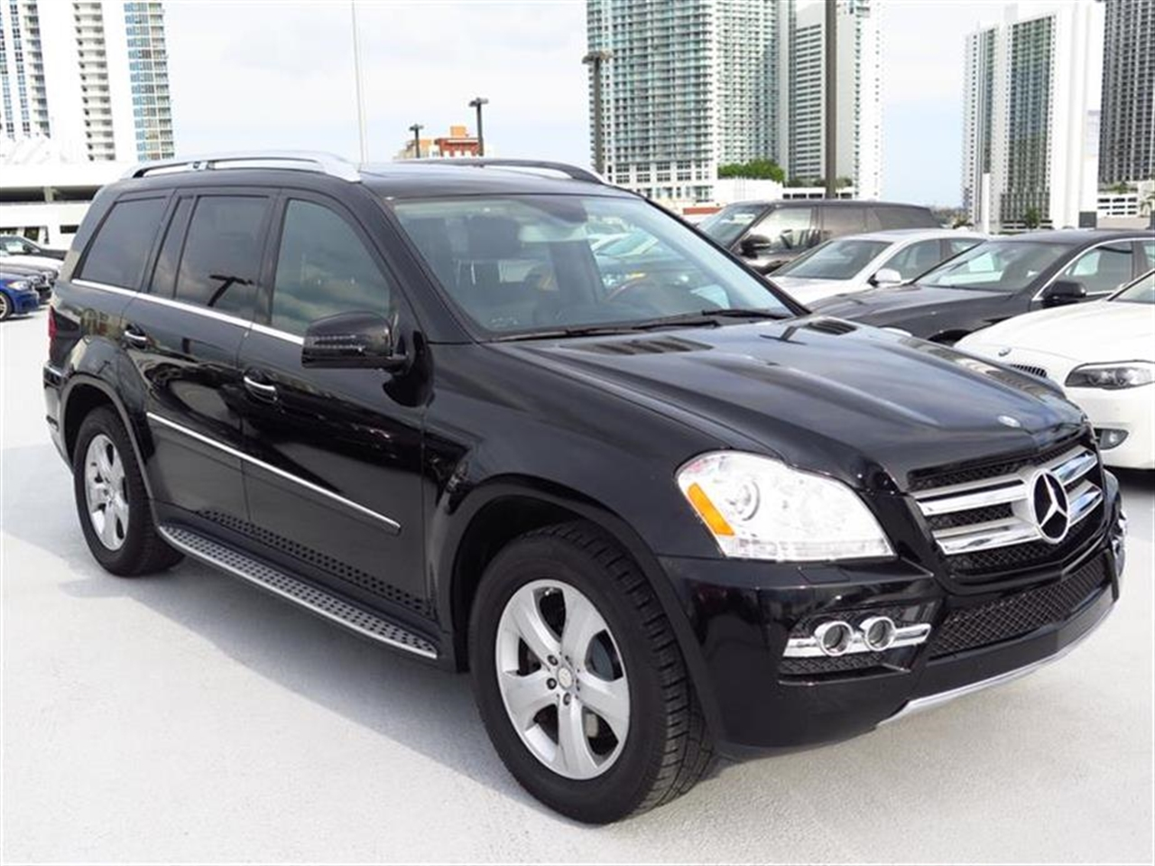 2011 Mercedes GL-CLASS 4MATIC 4dr GL450 36061 miles 6 cup  2 bottle holders 12-volt pwr out