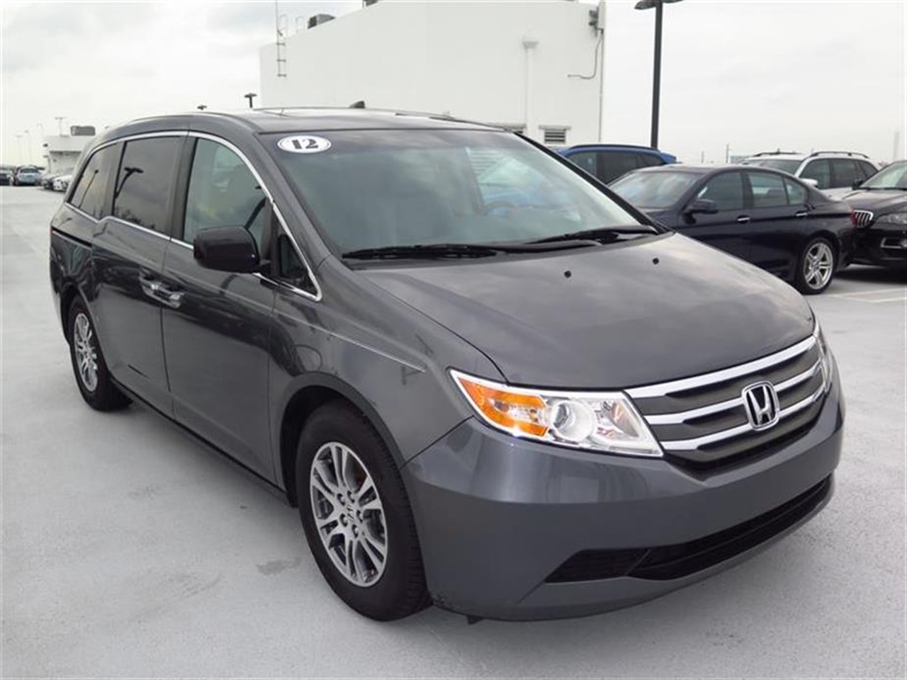 2012 HONDA ODYSSEY 5dr EX-L 31651 miles 15 cup holders 4 cargo area bag hooks 2-front  1-r
