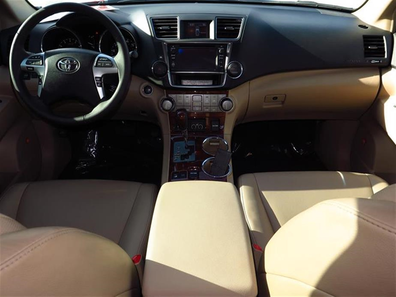 2013 TOYOTA HIGHLANDER 4WD 4dr V6 Limited 46251 miles 2nd row reading lamps 35 TFT multi-info