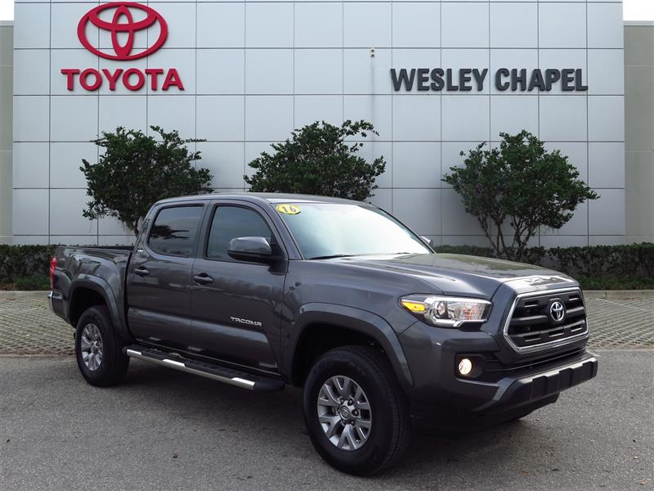 2016 TOYOTA TACOMA 2WD Double Cab I4 AT SR5 0 miles 2 12V DC Power Outlets 4-Way Driver Seat -i