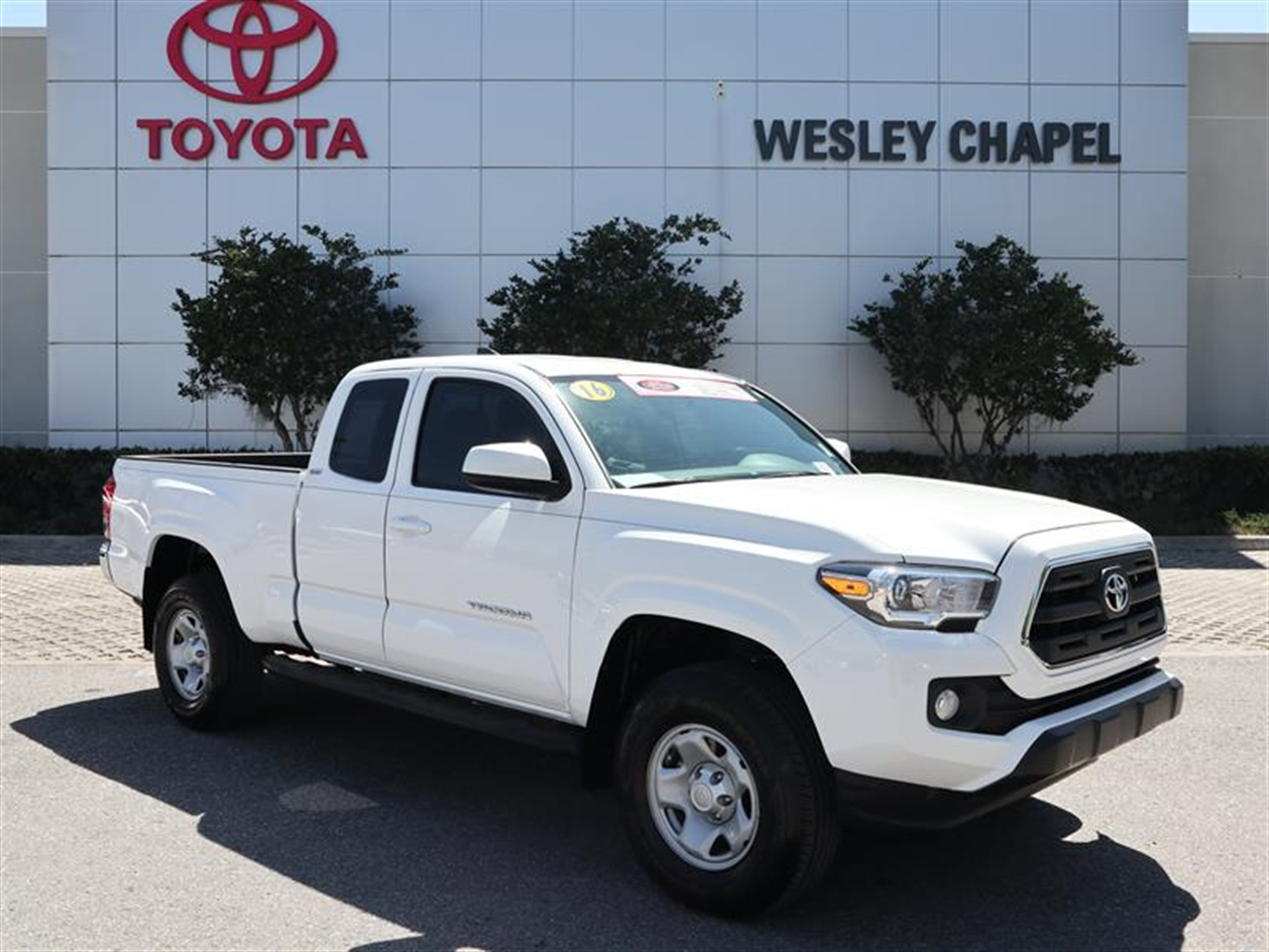 2016 TOYOTA TACOMA 2WD Access Cab V6 AT SR5 0 miles 2 12V DC Power Outlets 4 Person Seating Cap
