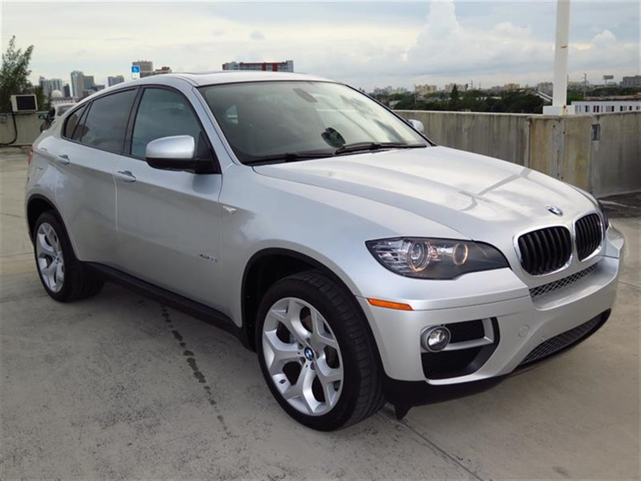 2014 BMW X6 AWD 4dr xDrive35i 5276 miles 2 Seatback Storage Pockets 4 Person Seating Capacity 5