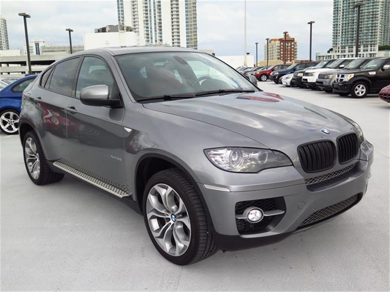 2012 BMW X6 AWD 4dr 50i 23629 miles 20-way pwr multi-contour front bucket seats include standard 1
