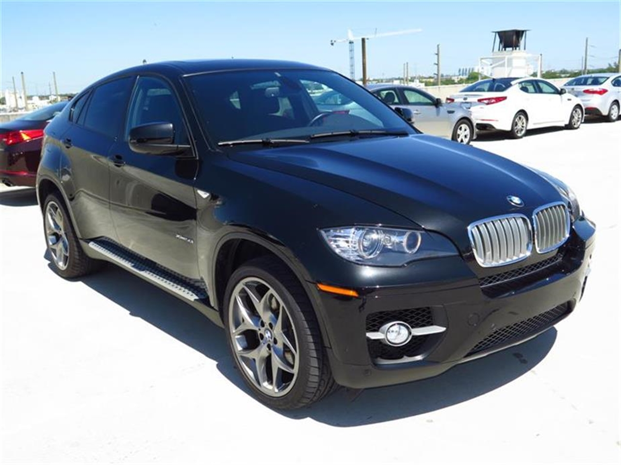 2012 BMW X6 AWD 4dr 50i 38527 miles 20-way pwr multi-contour front bucket seats include standard