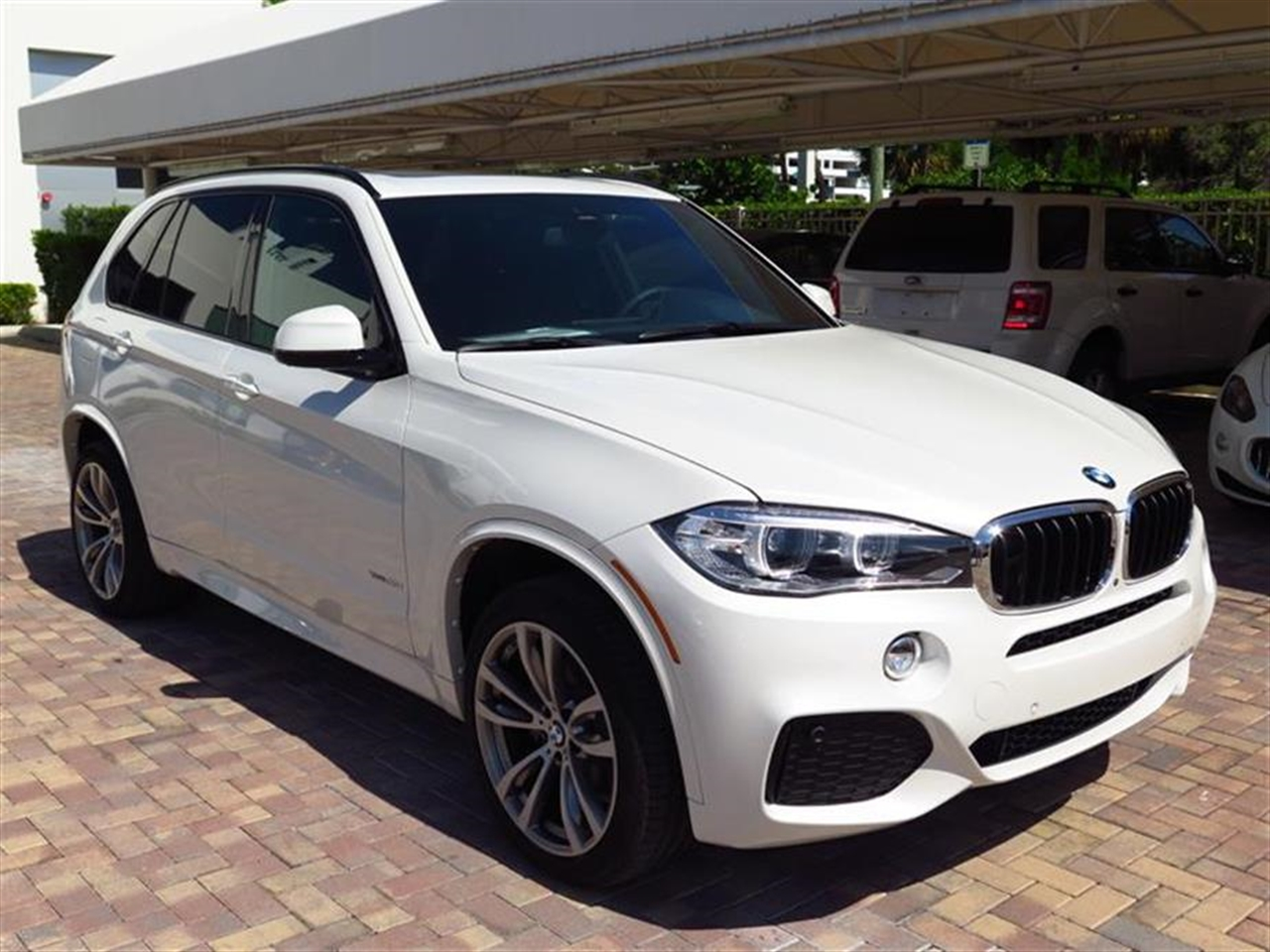 2015 BMW X5 AWD 4dr xDrive35i 2712 miles VIN 5UXKR0C5XF0K60578