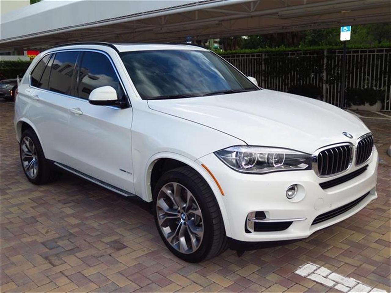 2014 BMW X5 RWD 4dr sDrive35i 6792 miles 2 Seatback Storage Pockets 4 12V DC Power Outlets LEATH