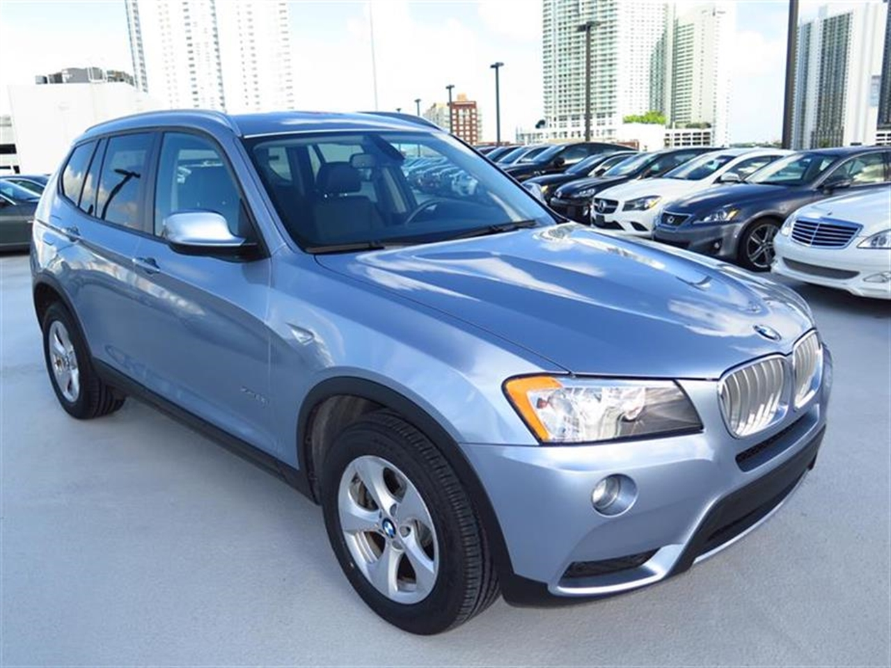 2011 BMW X3 AWD 4dr 28i 30746 miles 3-spoke leather-wrapped multi-function sport steering wheel wi