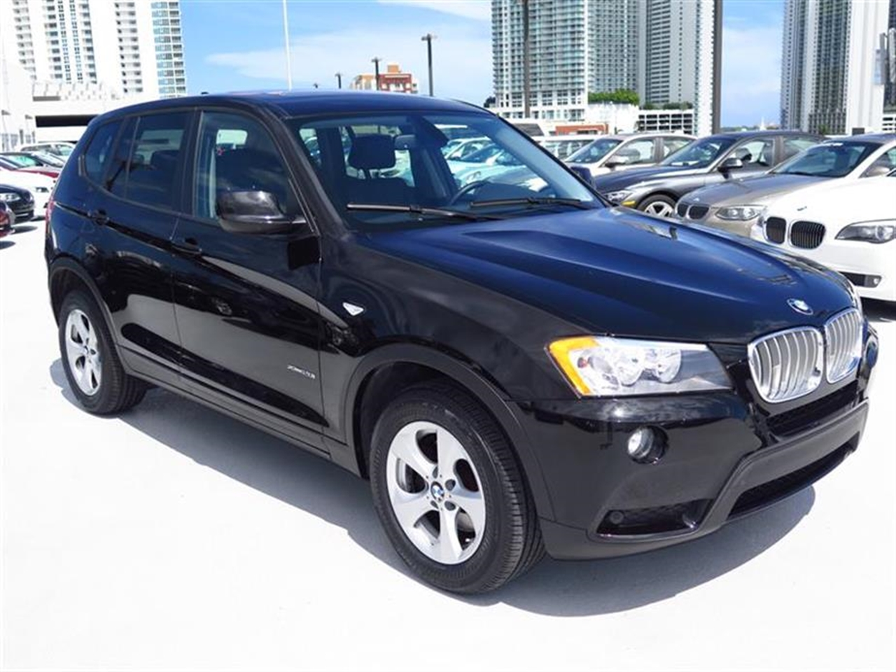 2011 BMW X3 AWD 4dr 28i 20846 miles 3-spoke leather-wrapped multi-function sport steering wheel wi