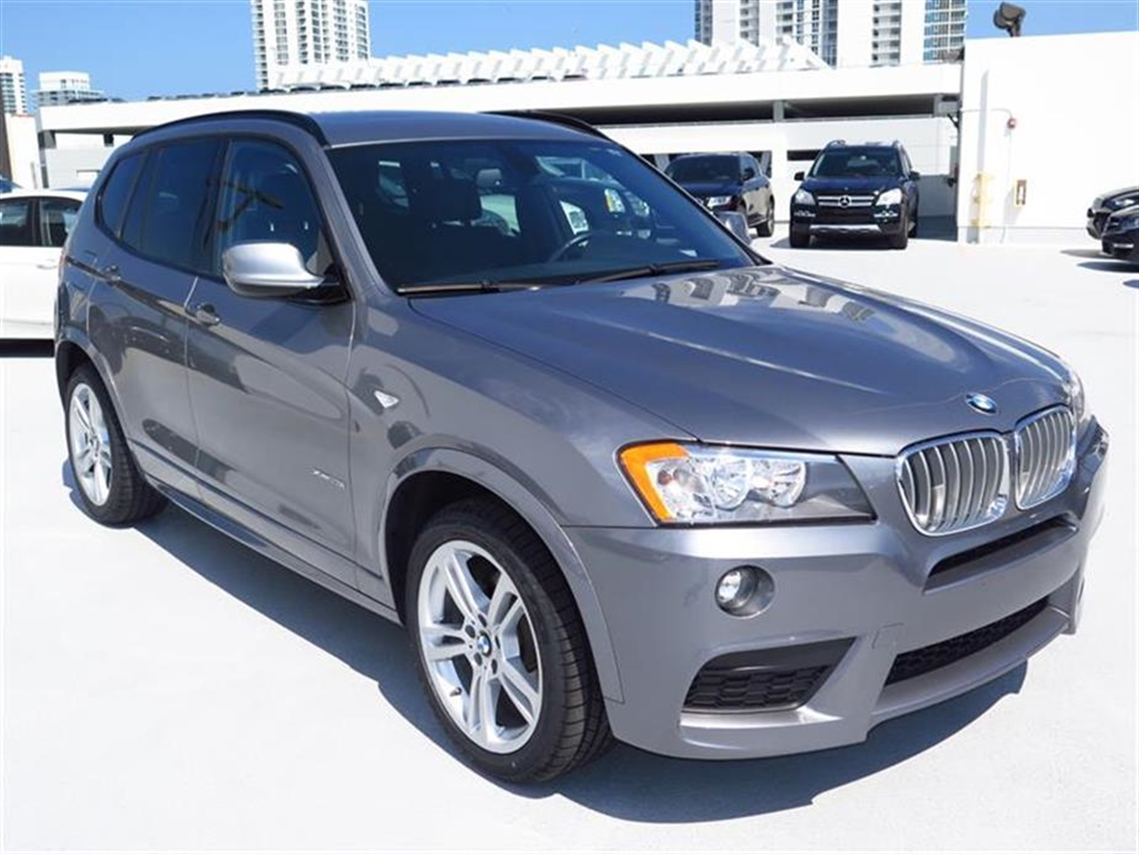 2013 BMW X3 AWD 4dr xDrive28i 42876 miles 3-spoke leather-wrapped multi-function sport steering w