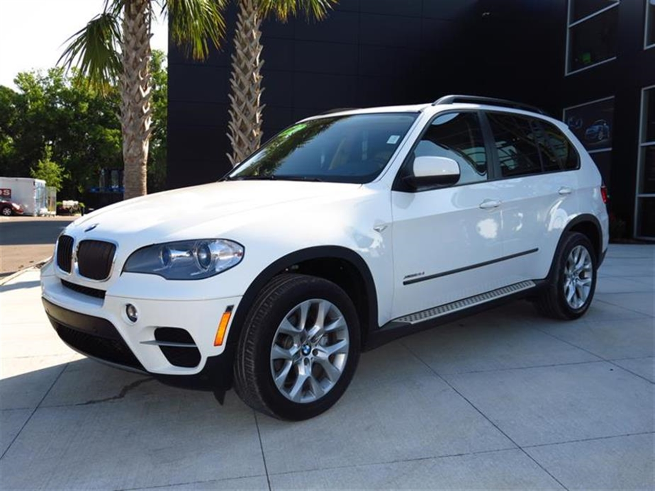 2012 BMW X5 AWD 4dr 35i 47934 miles 10-way power-adjustable driver  front passenger bucket seats