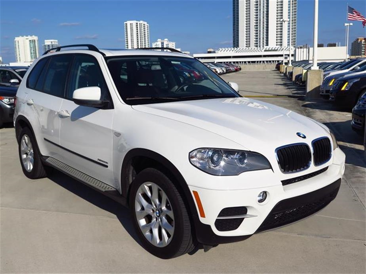 2012 BMW X5 AWD 4dr 35i 13651 miles 10-way power-adjustable driver  front passenger bucket seats