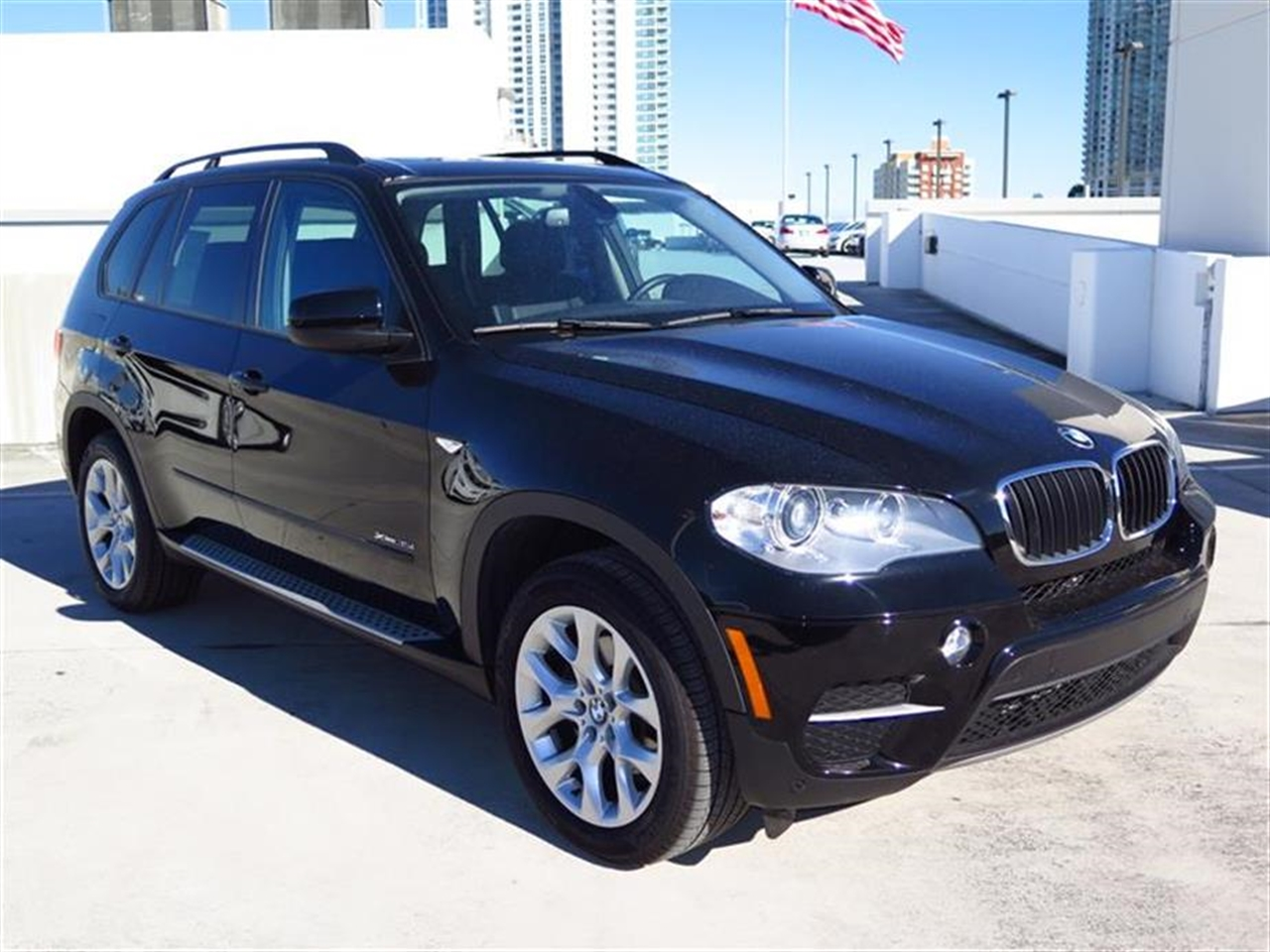 2012 BMW X5 AWD 4dr 35i 37987 miles 10-way power-adjustable driver  front passenger bucket seats