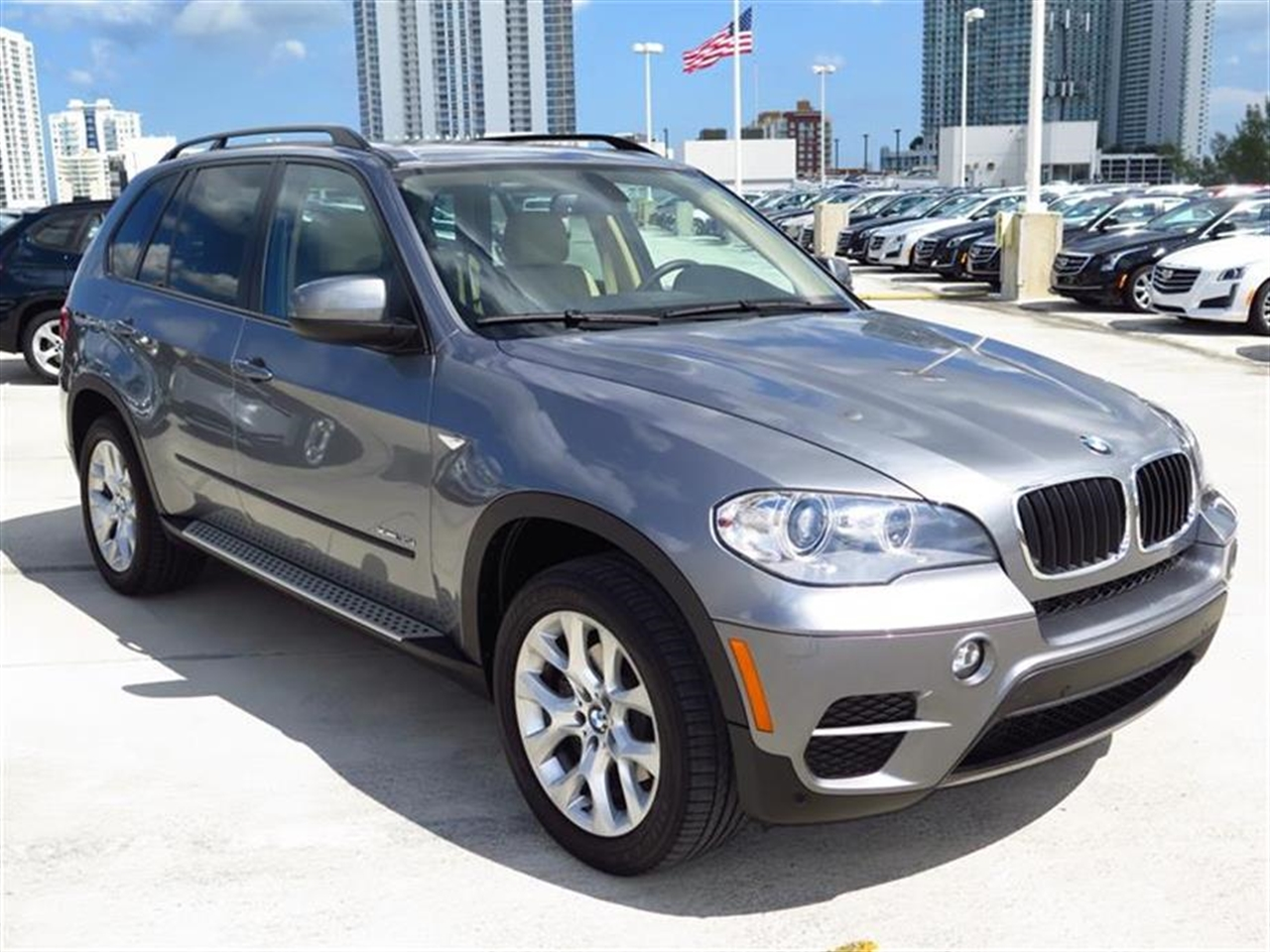 2012 BMW X5 AWD 4dr 35i 34159 miles 10-way power-adjustable driver  front passenger bucket seats