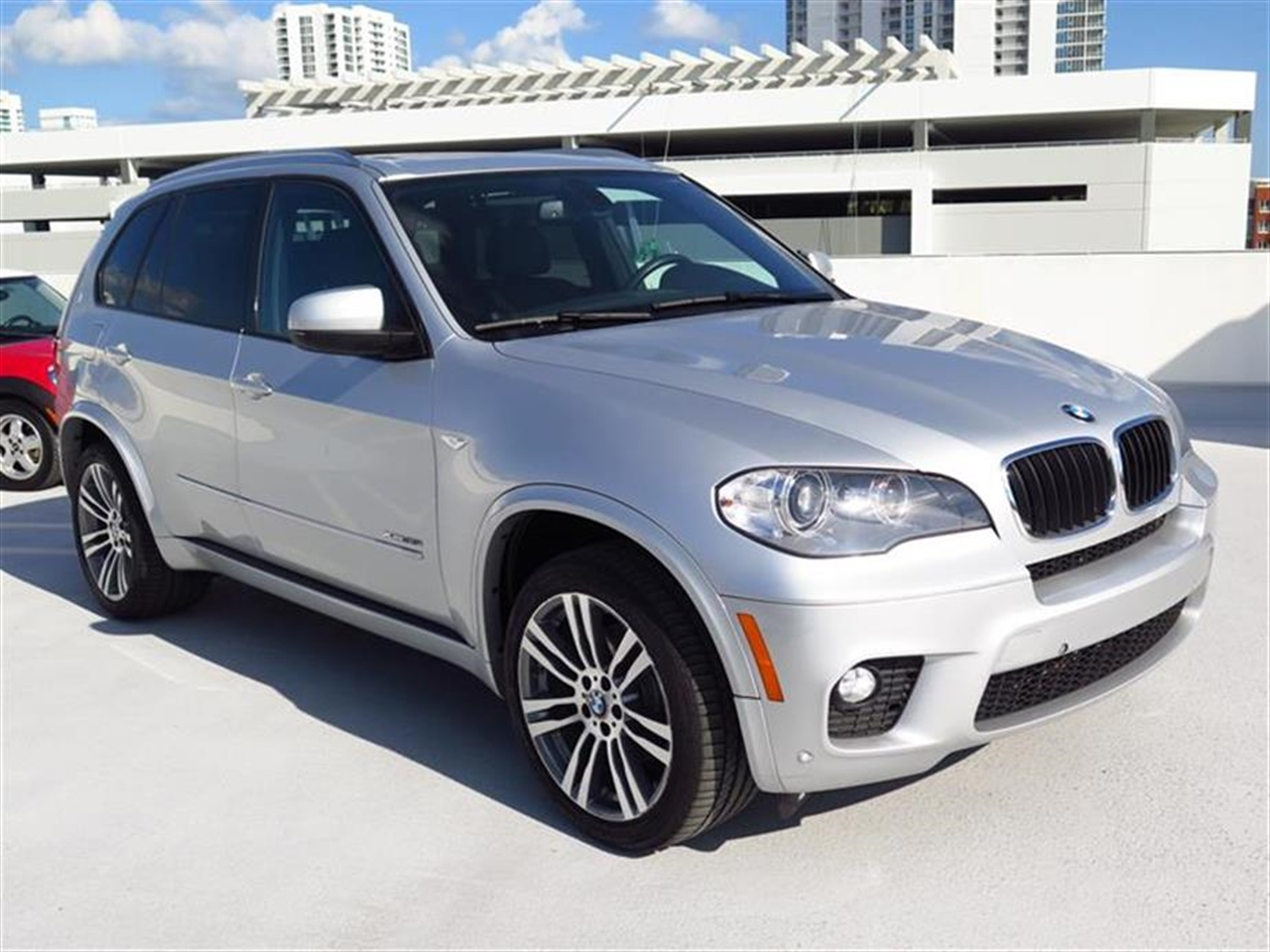 2012 BMW X5 AWD 4dr 35i 37023 miles 10-way power-adjustable driver  front passenger bucket seats