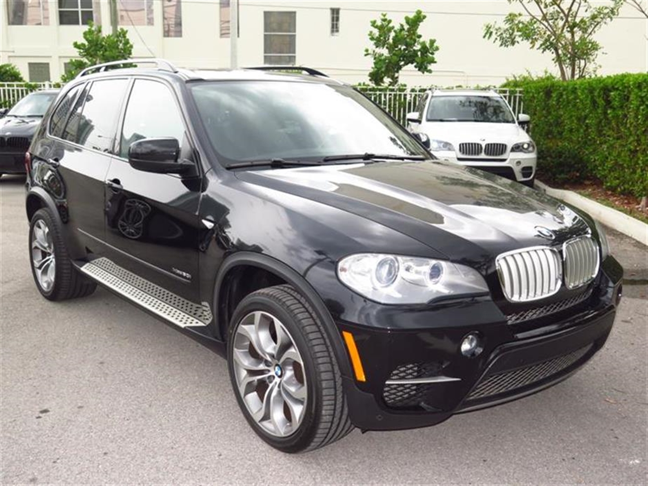 2012 BMW X5 AWD 4dr 50i 33783 miles 10-way power-adjustable driver  front passenger bucket seats