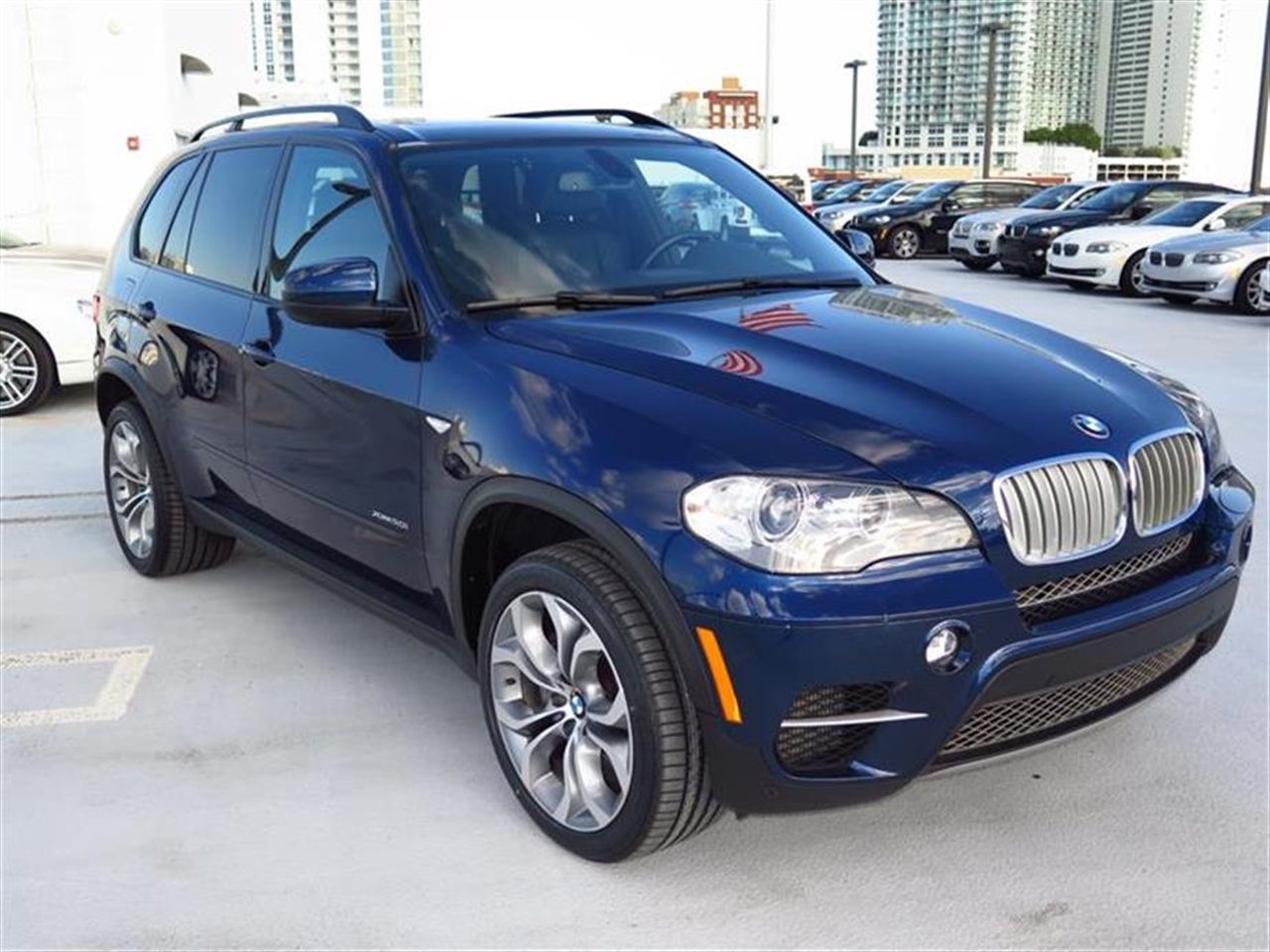 2012 BMW X5 AWD 4dr 50i 34317 miles 10-way power-adjustable driver  front passenger bucket seats