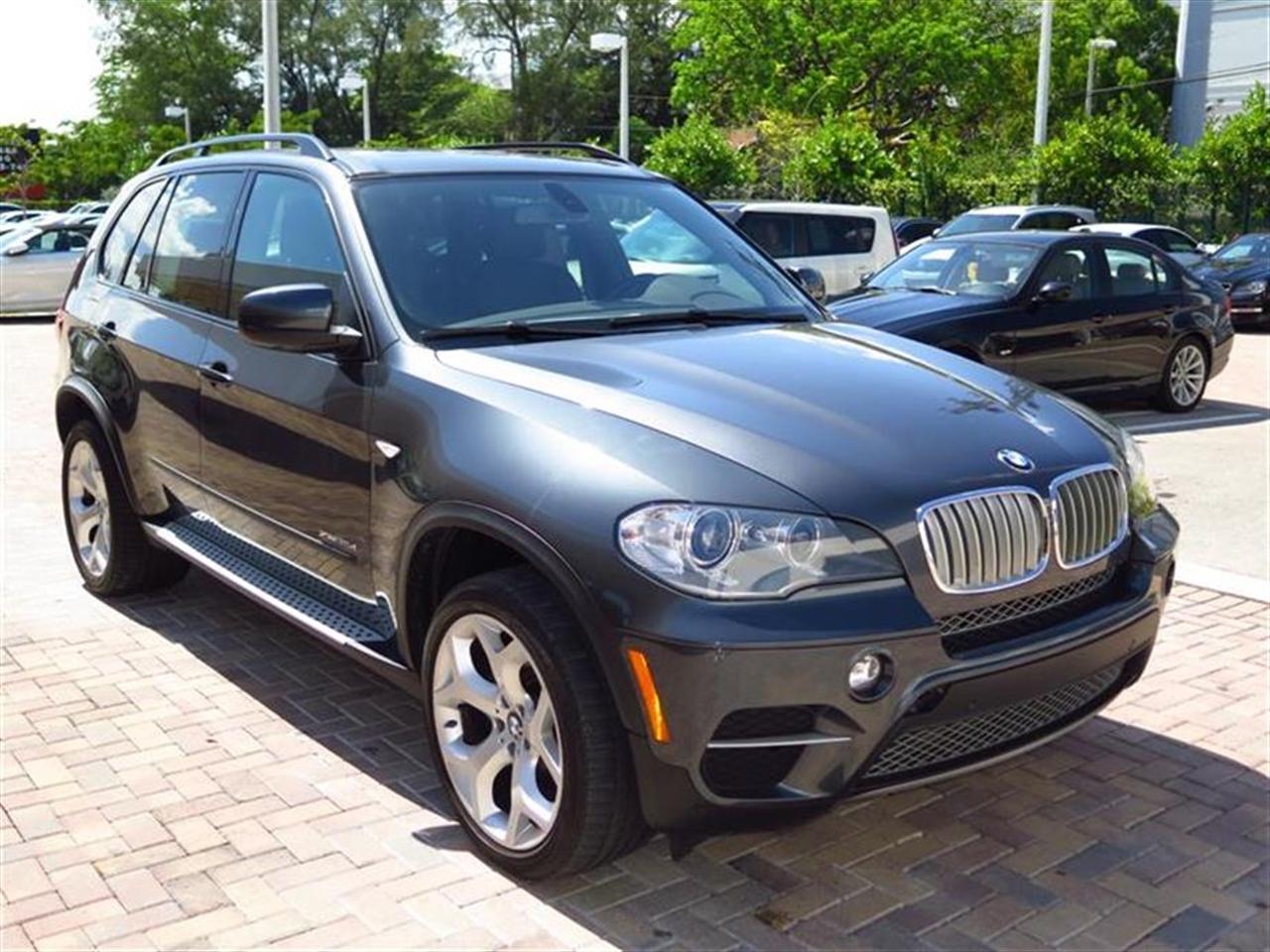 2012 BMW X5 AWD 4dr 35d 28469 miles 10-way power-adjustable driver  front passenger bucket seats