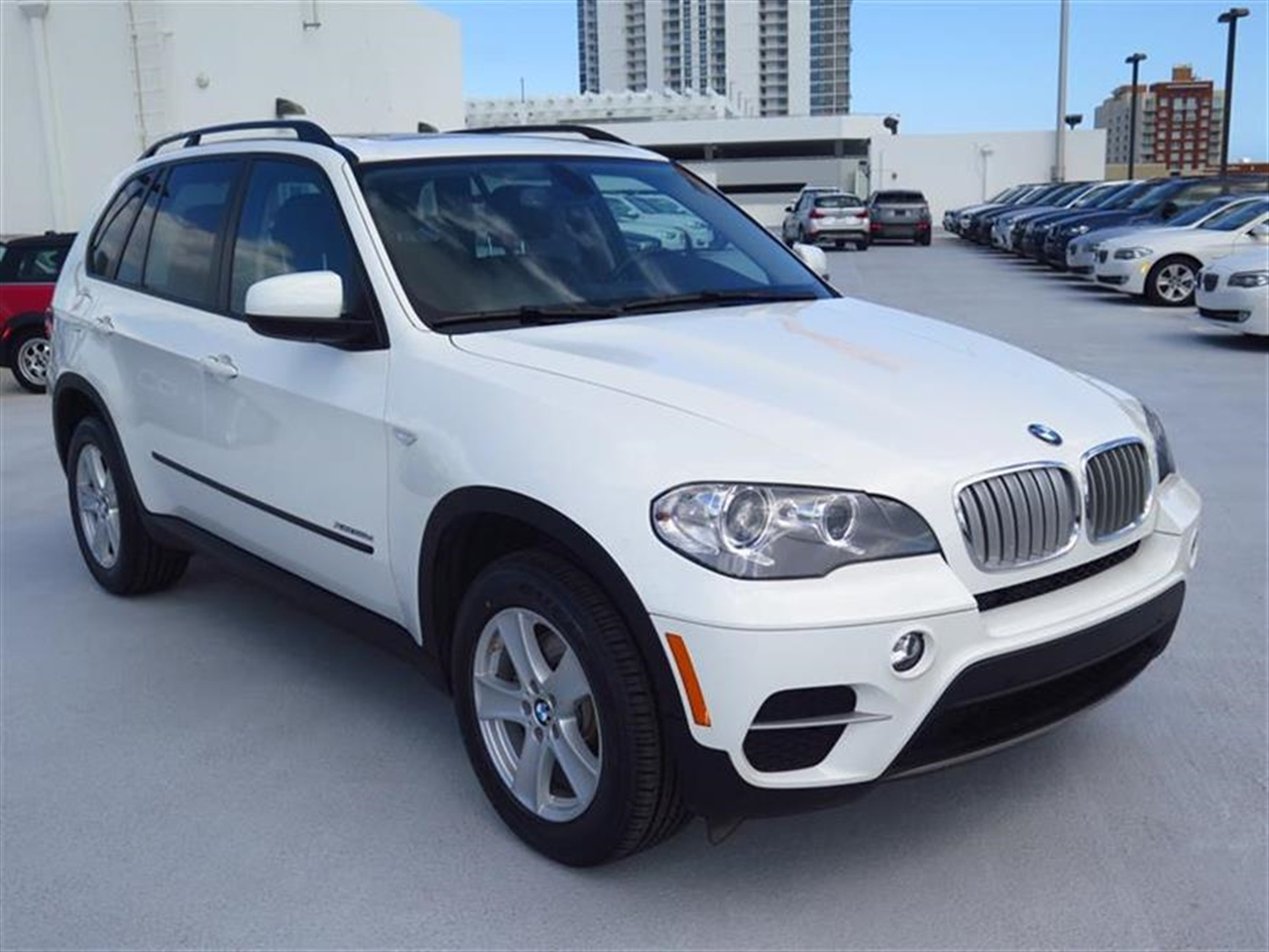 2012 BMW X5 AWD 4dr 35d 14227 miles 10-way power-adjustable driver  front passenger bucket seats