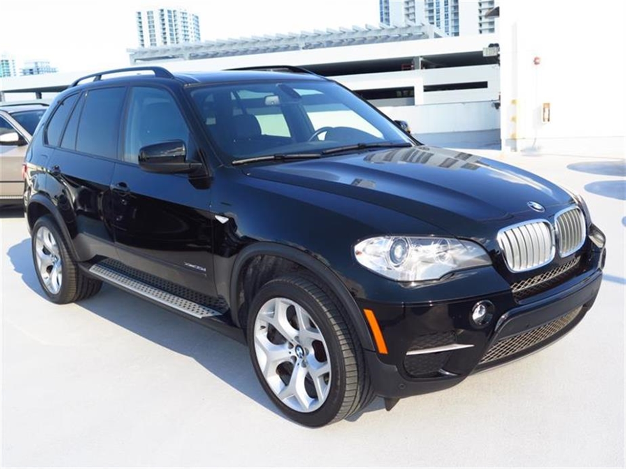 2012 BMW X5 AWD 4dr 35d 51413 miles 10-way power-adjustable driver  front passenger bucket seats