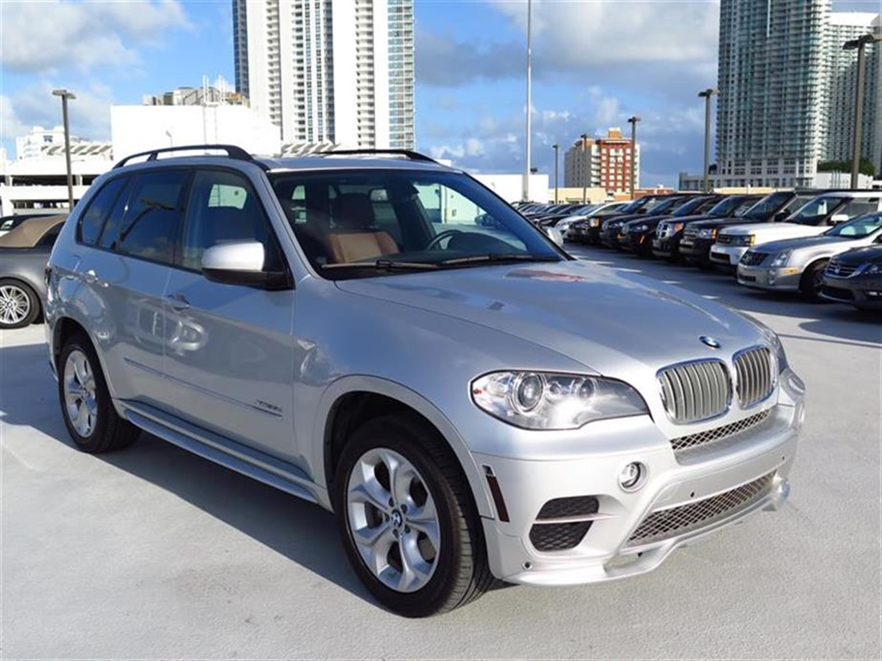 2012 BMW X5 AWD 4dr 35d 35074 miles 10-way power-adjustable driver  front passenger bucket seats