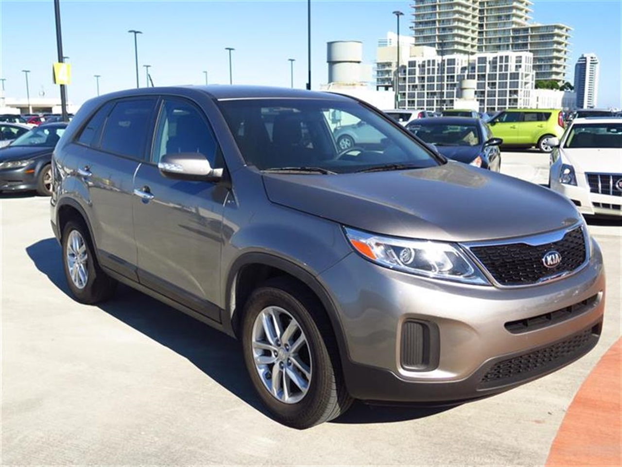 2014 KIA SORENTO 2WD 4dr I4 LX 15277 miles 2 Seatback Storage Pockets 3 12V DC Power Outlets CLO