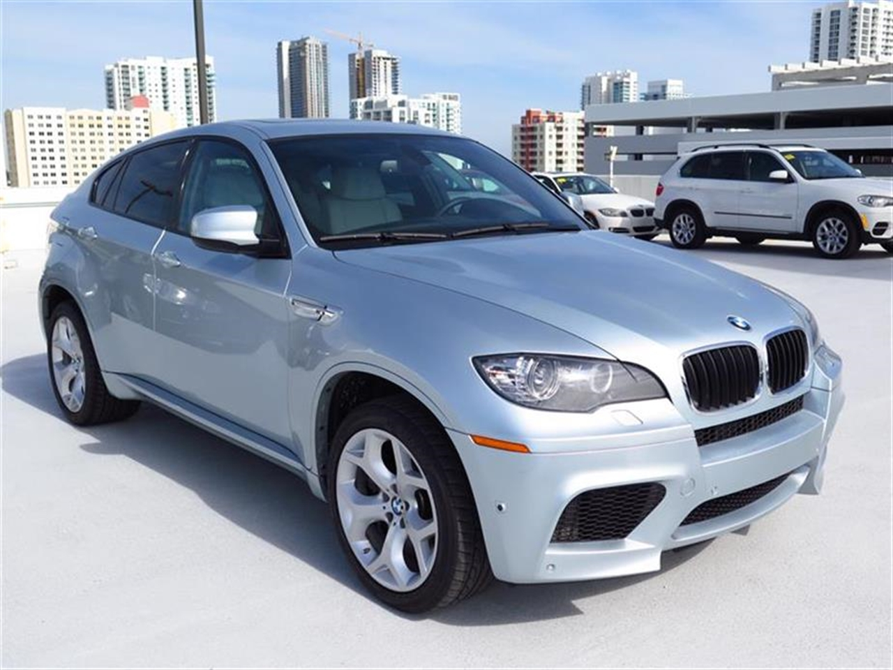 2012 BMW X6 M AWD 4dr 24168 miles 14-way pwr-adjustable driver  front passenger M sport seats -in
