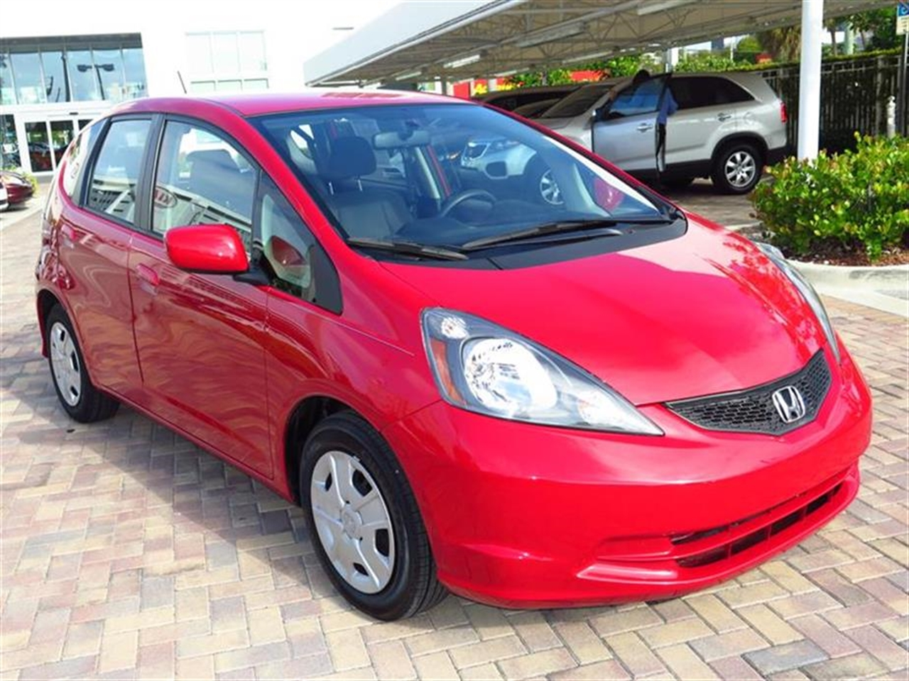 2012 HONDA FIT 5dr HB Auto 37452 miles 10 cup holders 2 cargo area tie-down anchors 12V pwr