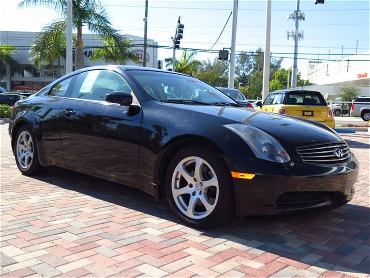 2005 INFI G35 2dr Cpe Auto 43182 miles 8-way driver4-way passenger front bucket heated pwr seats