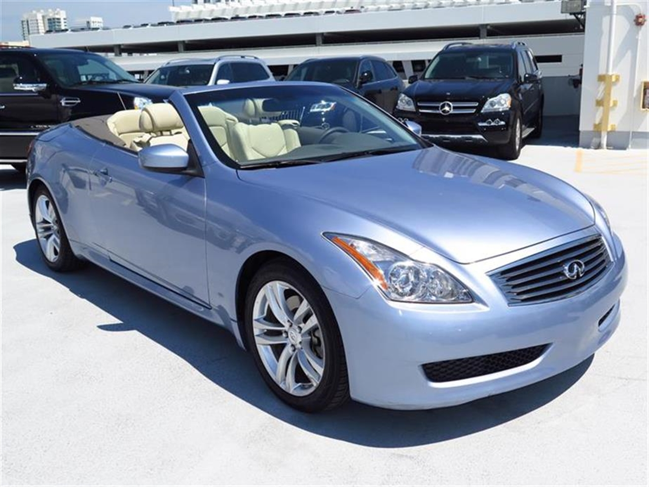 2009 INFINITI G37 2dr Base 62344 miles 2 ash trays wcigarette lighter 2 front cup holders