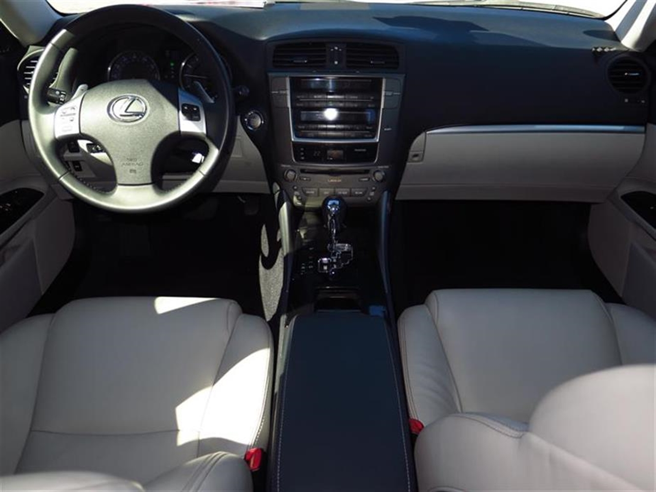 2012 LEXUS IS 250 4dr Sport Sdn Auto RWD 35192 miles 2 front2 rear articulated assist grips