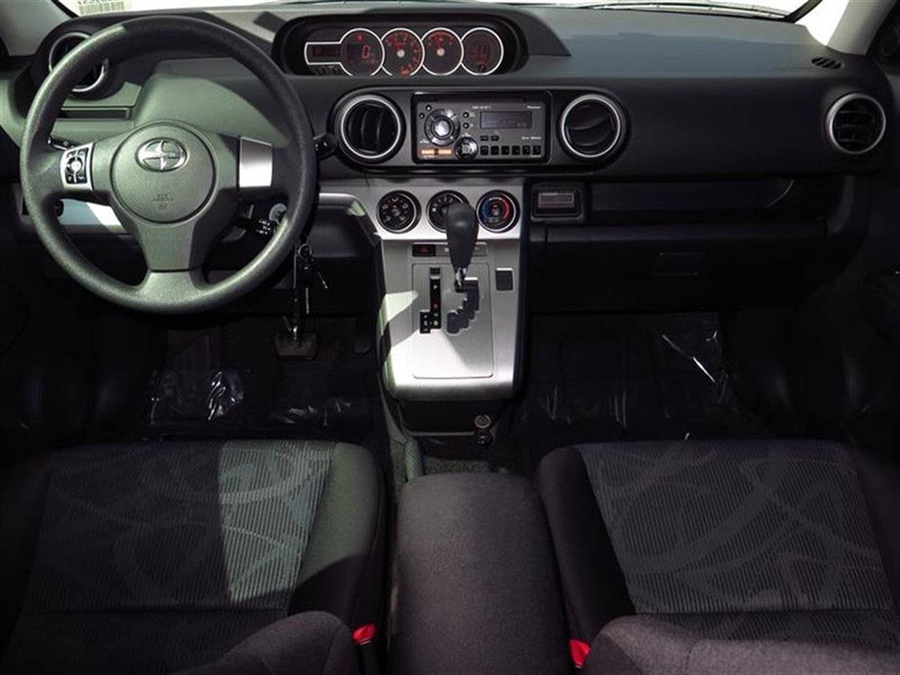 2012 SCION XB 5dr Wgn Auto 31917 miles 6040 split fold flat rear seat wunder-seat storage tray