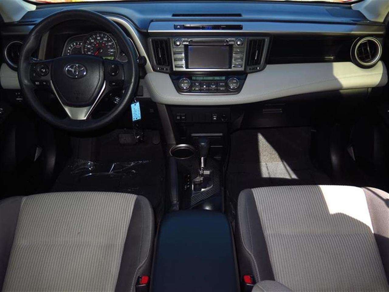 2013 TOYOTA RAV4 FWD 4dr XLE 54365 miles 2 12V aux pwr outlets 8 cupbottle holders 6040