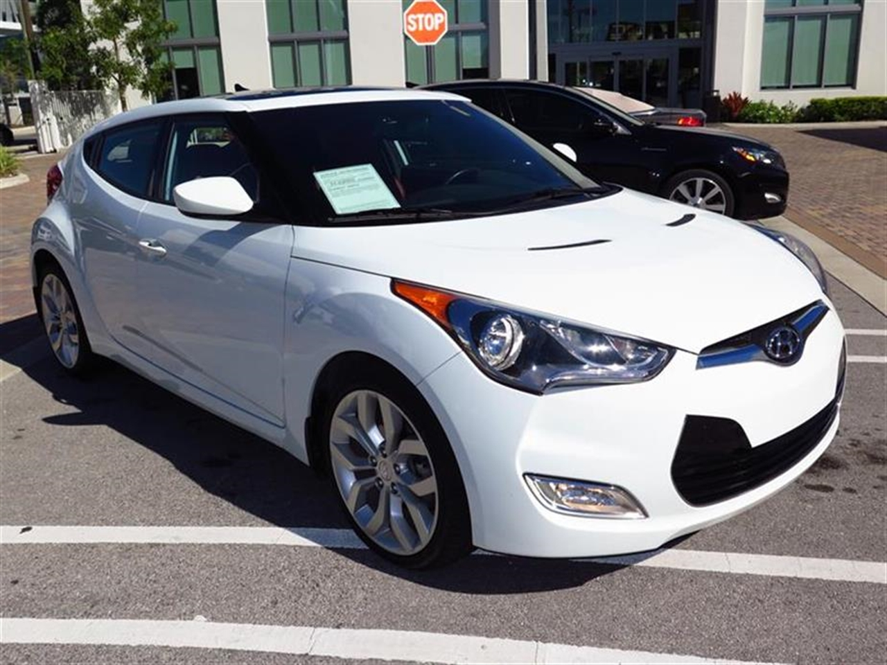 2013 HYUNDAI VELOSTER 3dr Cpe Man wRed Int 28393 miles 2 12V outlets 6040 split folding rear