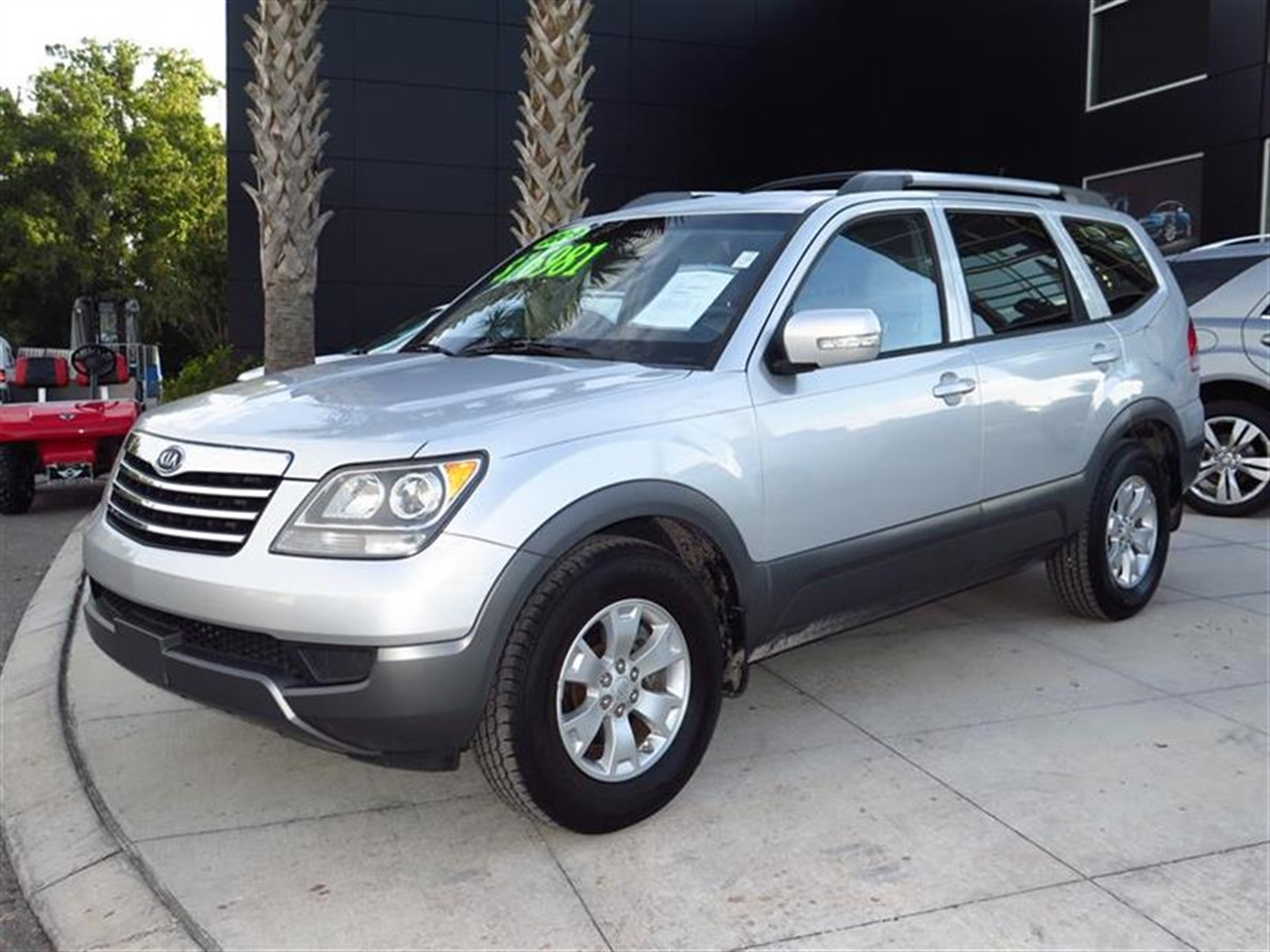2009 KIA BORREGO 2WD 4dr V6 LX 89939 miles 3 pwr outlets -inc front center console cargo 2nd