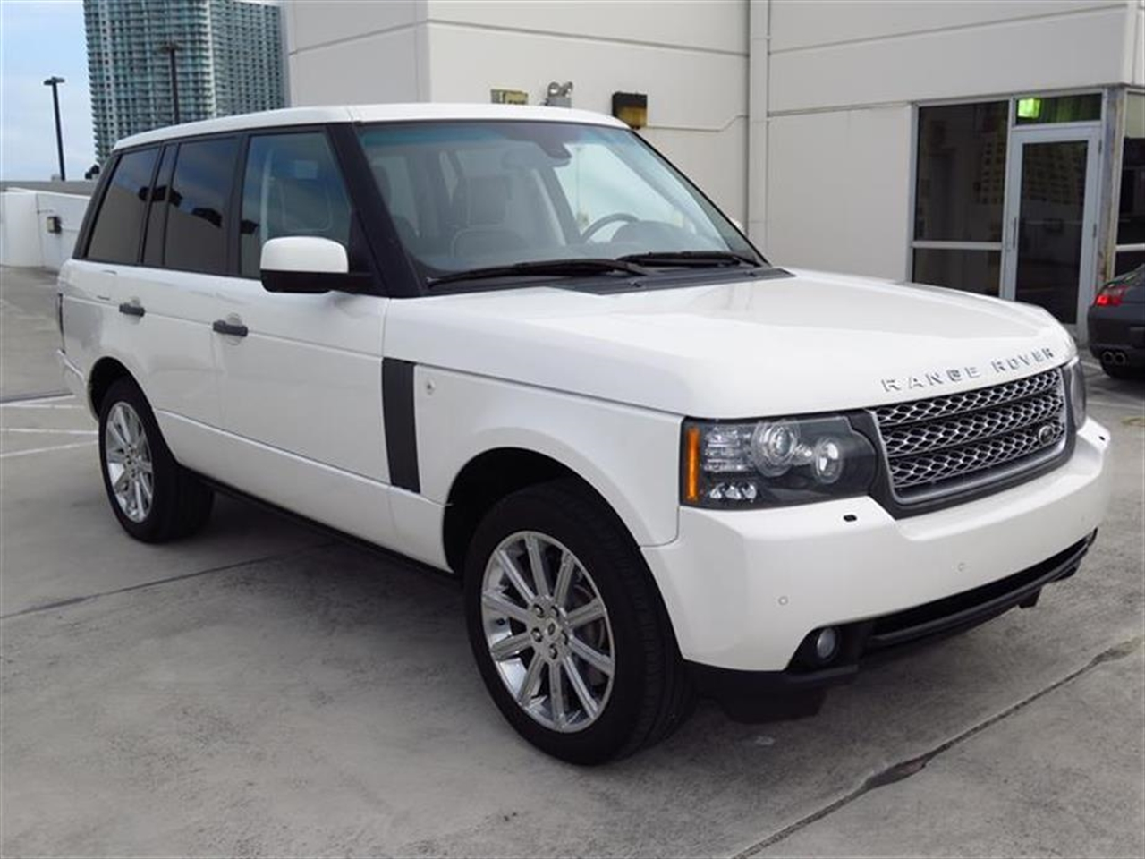 2010 LAND ROVER RANGE ROVER 4WD 4dr HSE 53698 miles 10 piece wood trim on fascia  doors 123 t